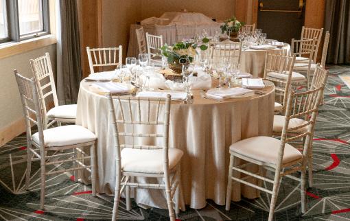 Table Arrangement at Rocky Mountain Resort